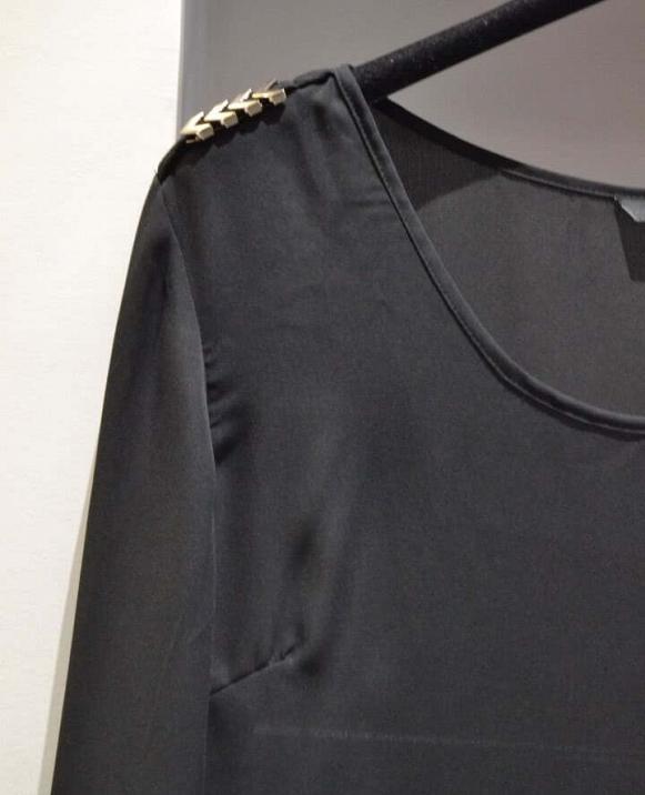 Blusa detalle espigas hombro
