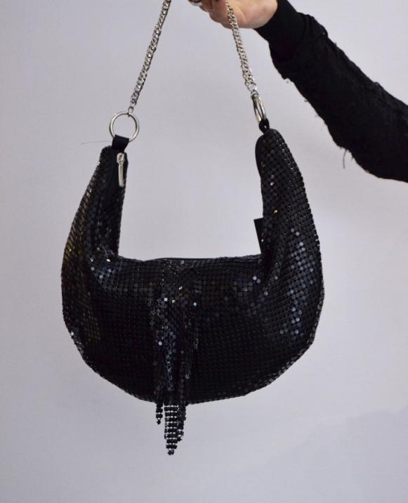 Bolso de mano en forma de luna de malla