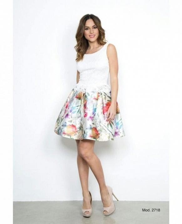 Vestido corto falda estampada