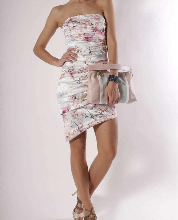 Vestido drapeado corto